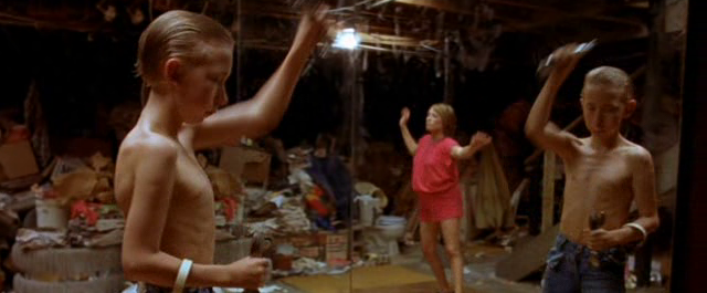 Gummo (1997) - weightlifting