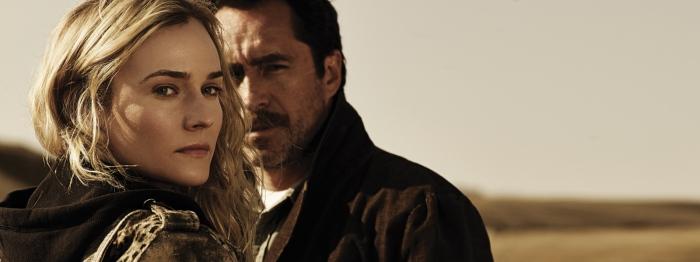 Demian Bichir and Diane Kruger in The Bridge (2013)