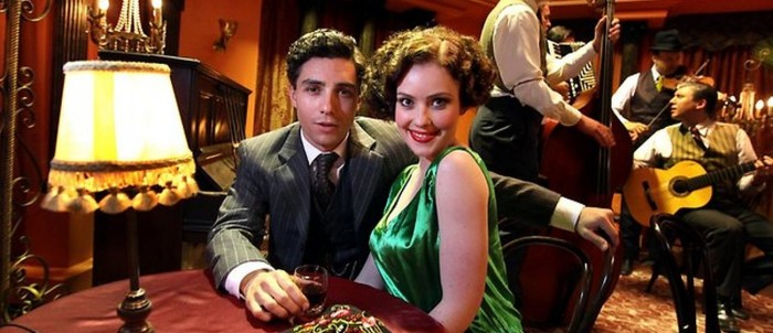 Jared Daperis and Gracie Gilbert in Underbelly: Squizzy