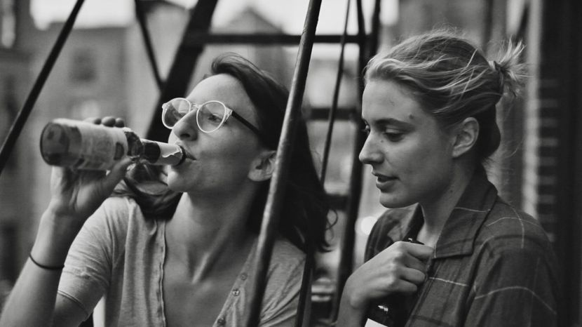 Greta Gerwig and Mickey Sumner in Frances Ha (2013)
