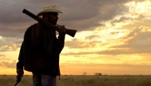 Aaron Pedersen in Mystery Road (2013)