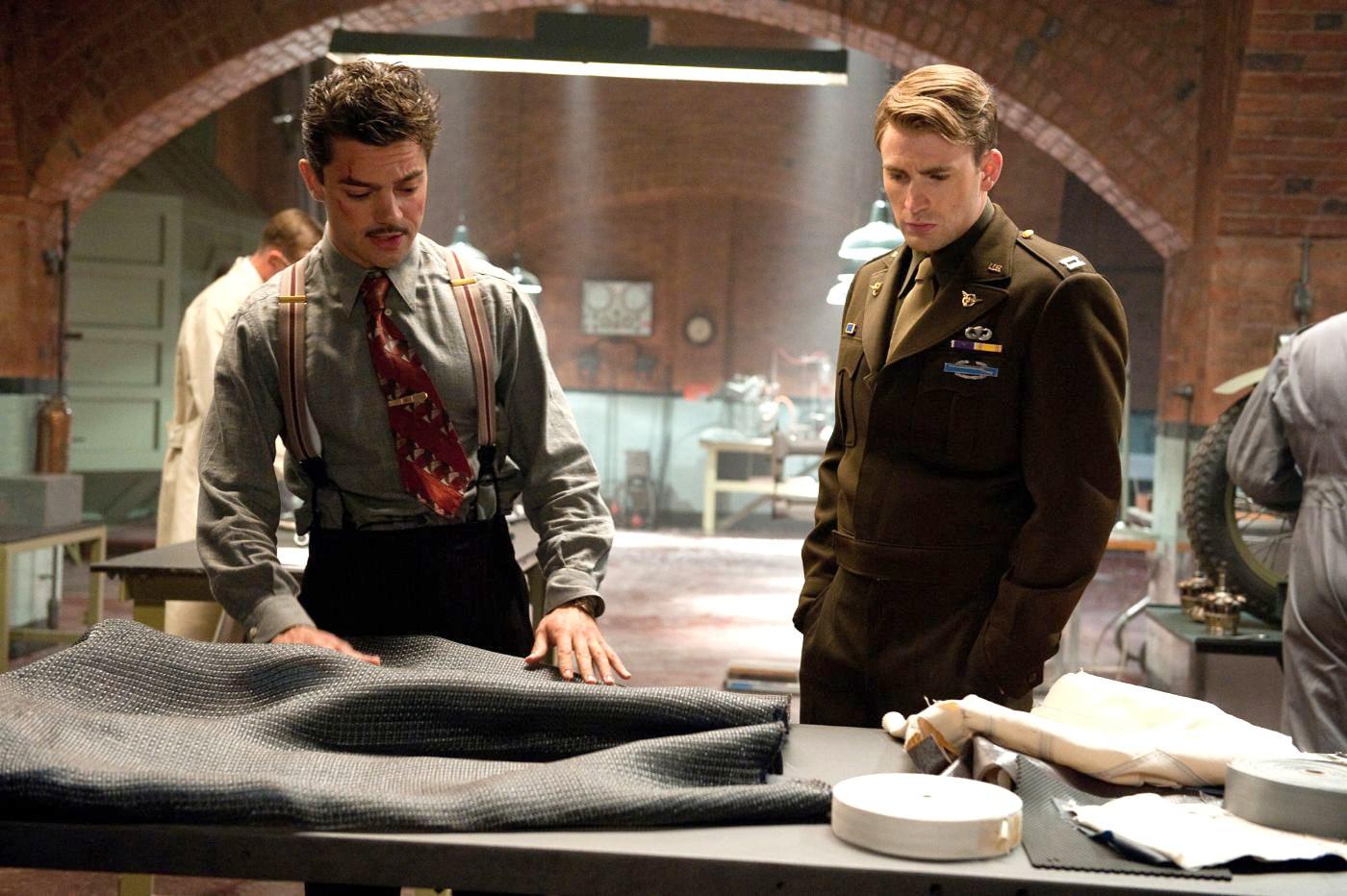 Captain america the first avenger 2011 - Dominic Cooper And Chris Evans Incaptain America The First Avenger 2011