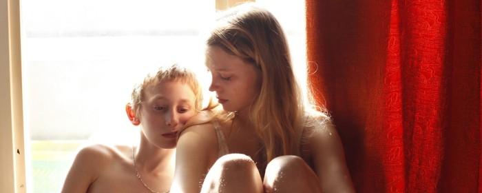 Léa Seydoux and Kacey Mottet Klein in Sister (2012)