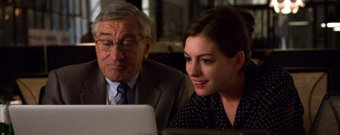 Robert DeNiro and Anne Hathaway in The Intern (2015)